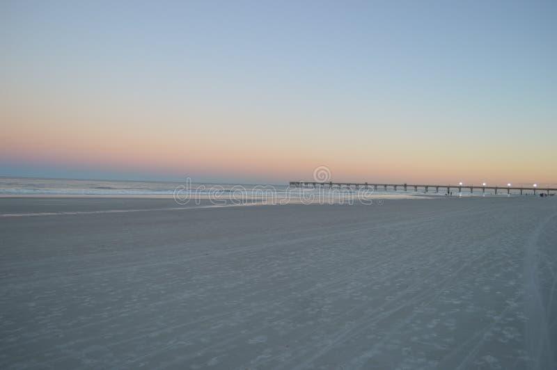 Παραλία και αποβάθρα του Τζάκσονβιλ στοκ φωτογραφίες