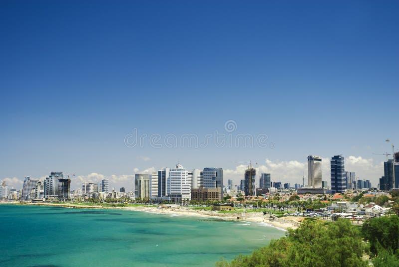 Παραλία και η άποψη του Τελ Αβίβ στοκ φωτογραφία