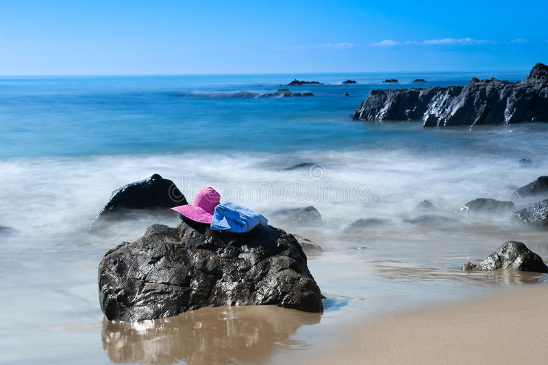 Παραλία και ψαθάκι στοκ φωτογραφίες