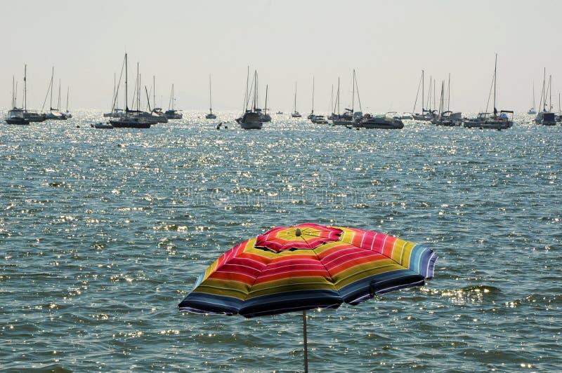 Παραλία Κόστα Μπλάνκα κλίση που αλιεύει το μεσογειακό καθαρό τόνο θάλασσας στοκ φωτογραφίες με δικαίωμα ελεύθερης χρήσης