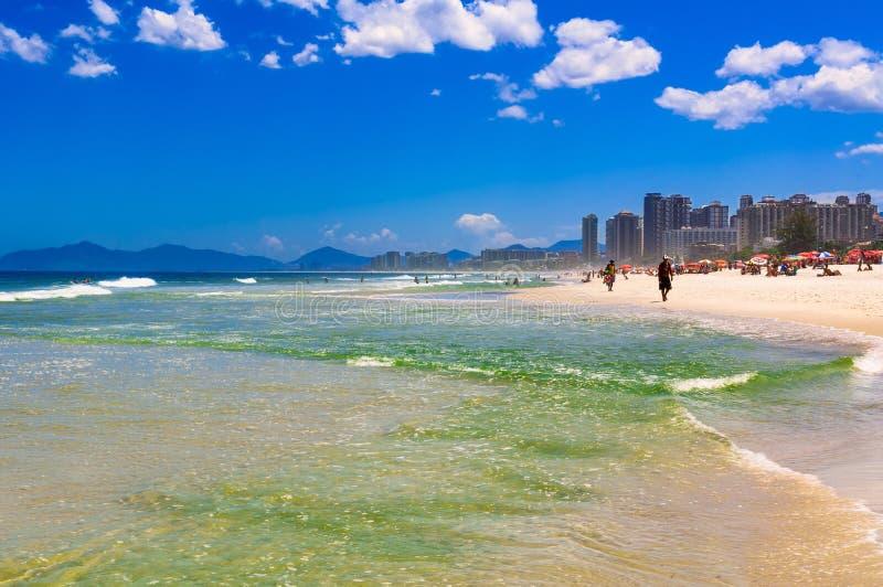 Παραλία σε Barra DA Tijuca, Ρίο ντε Τζανέιρο στοκ εικόνες με δικαίωμα ελεύθερης χρήσης
