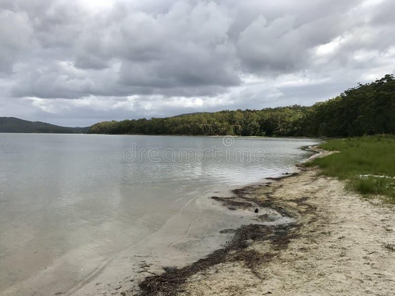 Παραλία στη λίμνη Smiths, Αυστραλία στοκ εικόνα