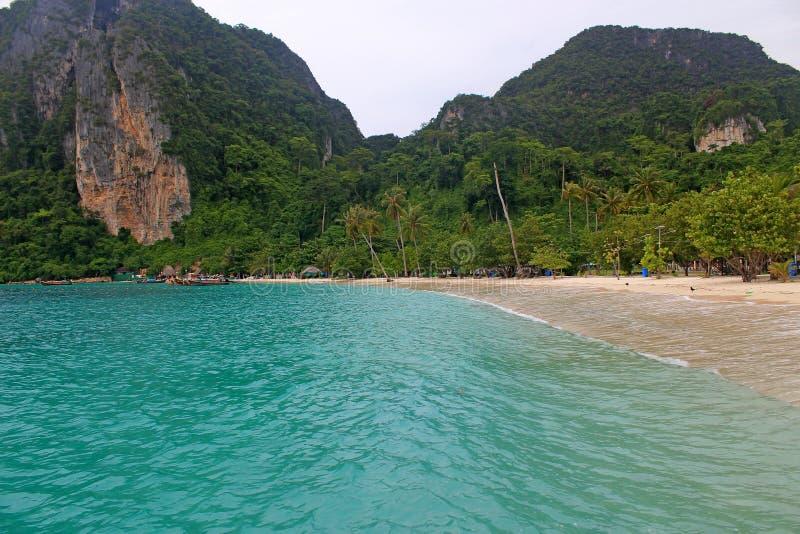 Παραλία στο νησί στοκ εικόνες με δικαίωμα ελεύθερης χρήσης
