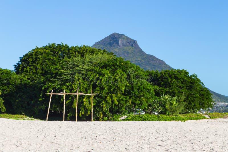 Παραλία του En Flic flac που αγνοεί Tourelle du Tamarin Μαυρίκιος στοκ φωτογραφίες με δικαίωμα ελεύθερης χρήσης