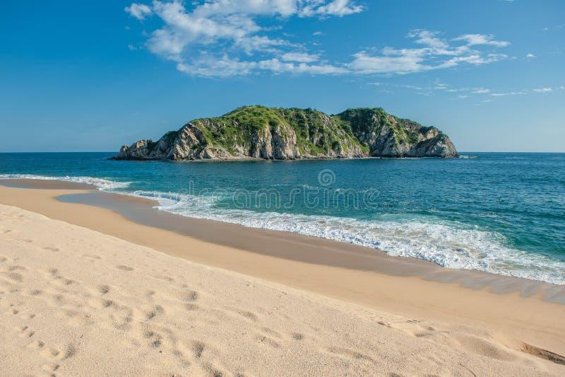 Παραλία Cacaluta σε Huatulko, Oaxaca, Μεξικό στοκ φωτογραφία