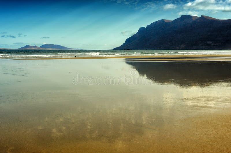 Παραλία Famara, Lanzarote, Κανάρια νησιά, Ισπανία στοκ φωτογραφία με δικαίωμα ελεύθερης χρήσης