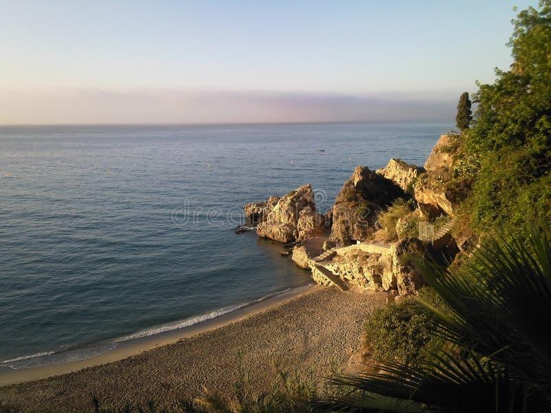 Παραλία Nerja, Κόστα ντελ Σολ, περιοχή Ανδαλουσίας, της Μάλαγας επαρχία στοκ φωτογραφία