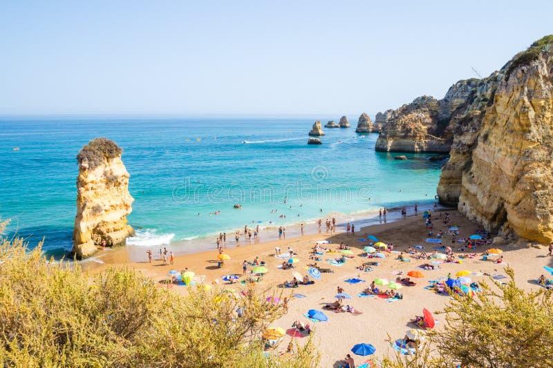 Παραλία Praia Dona Ana της Πορτογαλίας Αλγκάρβε στο Λάγκος στοκ φωτογραφία