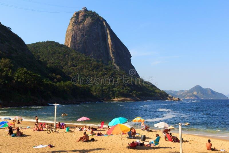 Παραλία Praia Vermelha με την άποψη σε Sugarloaf, Ρίο ντε Τζανέιρο στοκ φωτογραφίες