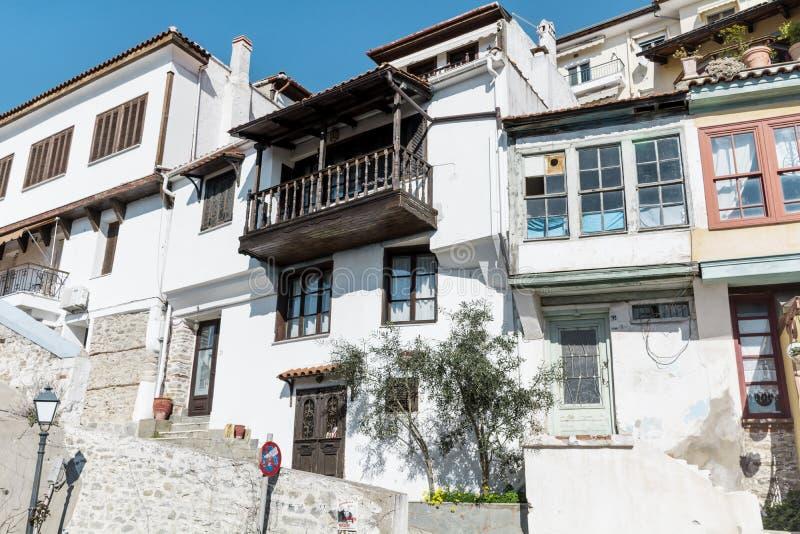 Παραδοσιακά ελληνικά σπίτια στην Καβάλα στοκ φωτογραφία