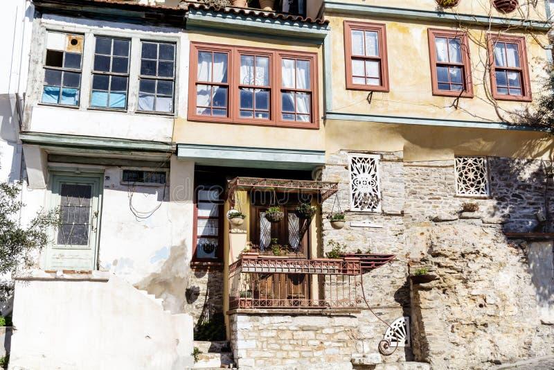 Παραδοσιακά ελληνικά σπίτια στην Καβάλα στοκ εικόνες