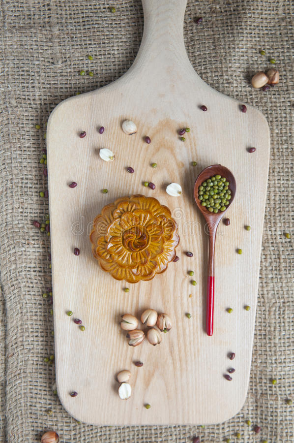 Παραδοσιακά κέικ φεγγαριών στοκ εικόνες