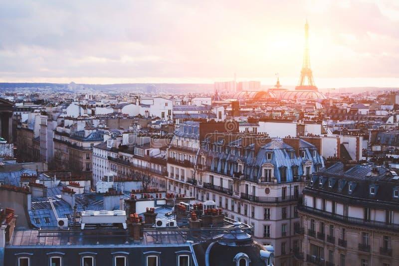 Παραδοσιακά κτήρια στο Παρίσι στοκ φωτογραφίες με δικαίωμα ελεύθερης χρήσης