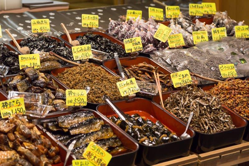 Παραδοσιακά τρόφιμα στην αγορά Nishiki, Κιότο στοκ εικόνα με δικαίωμα ελεύθερης χρήσης