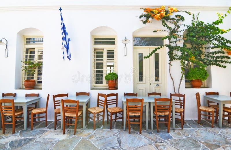 Παραδοσιακή ταβέρνα Σίφνος Ελλάδα στοκ εικόνες
