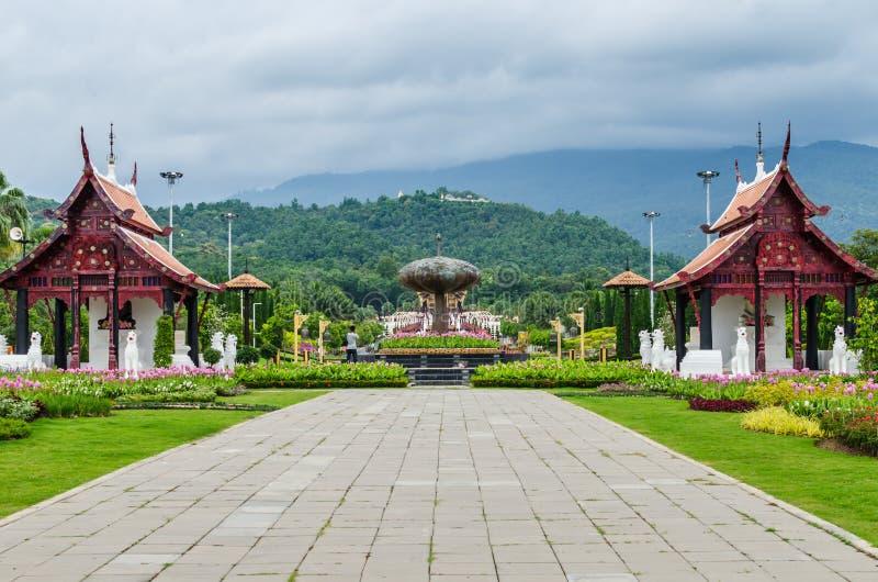 Παραδοσιακή ταϊλανδική αρχιτεκτονική στο ύφος Lanna, βασιλικό Pavilio στοκ εικόνες