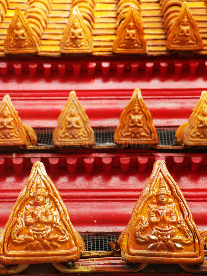 Παραδοσιακή ταϊλανδική γωνία ύφους στη στέγη στο ναό, Μπανγκόκ Ταϊλάνδη στοκ φωτογραφία με δικαίωμα ελεύθερης χρήσης