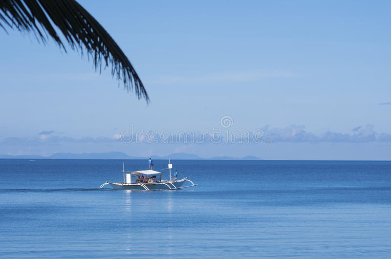 Download Παραδοσιακή φιλιππινέζικη βάρκα Εκδοτική Στοκ Εικόνες - εικόνα από καρχαρίας, πανί: 62700128