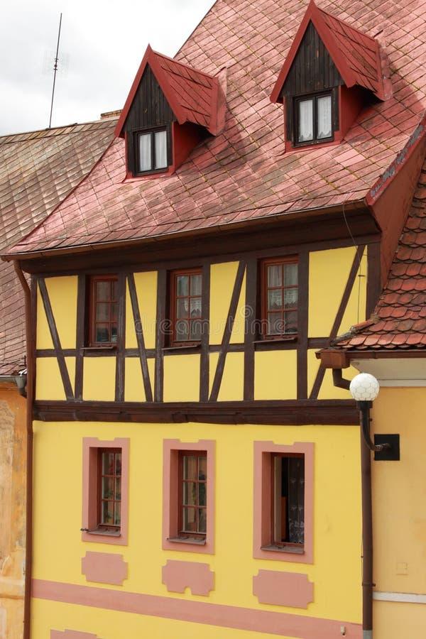 Παραδοσιακό εφοδιασμένο με ξύλα σπίτι στοκ εικόνα