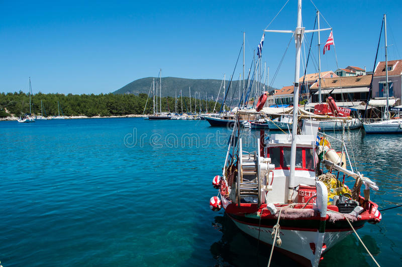 Παραδοσιακό ελληνικό αλιευτικό σκάφος στοκ φωτογραφία