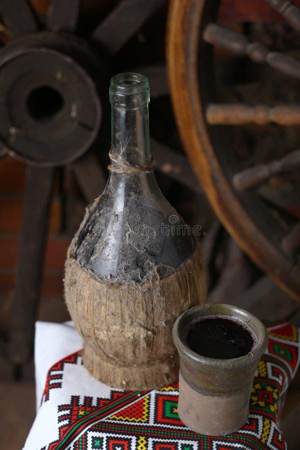 Παραδοσιακό μπουκάλι του κρασιού στοκ εικόνα