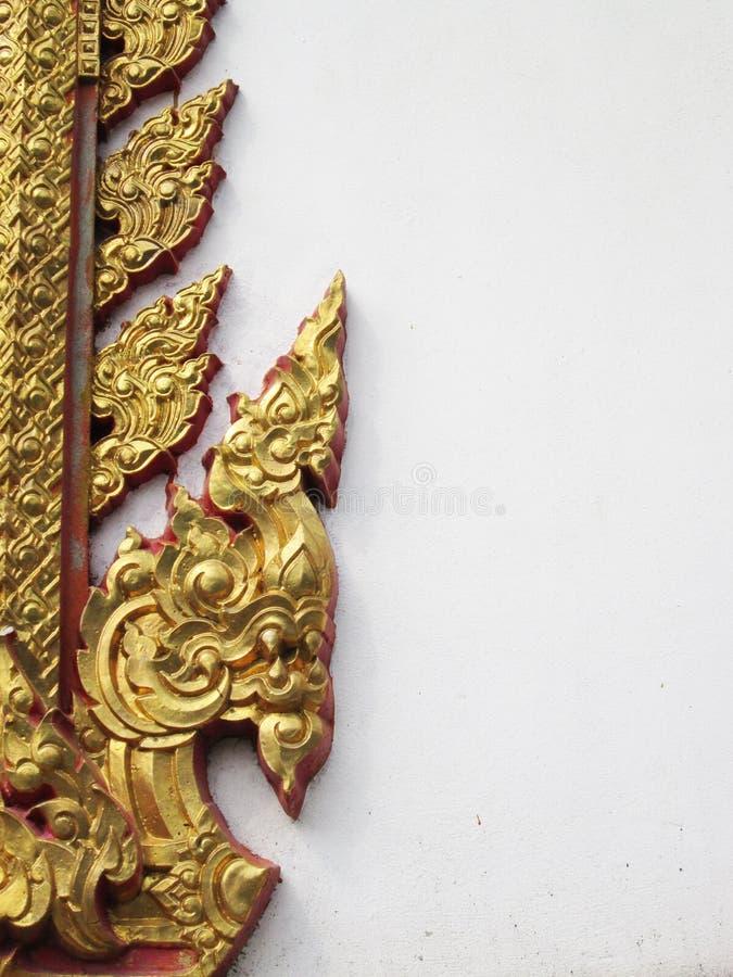 Παραδοσιακό ταϊλανδικό διακοσμητικό υπόβαθρο σχεδίων ύφους στο ναό, Ταϊλάνδη στοκ εικόνες με δικαίωμα ελεύθερης χρήσης