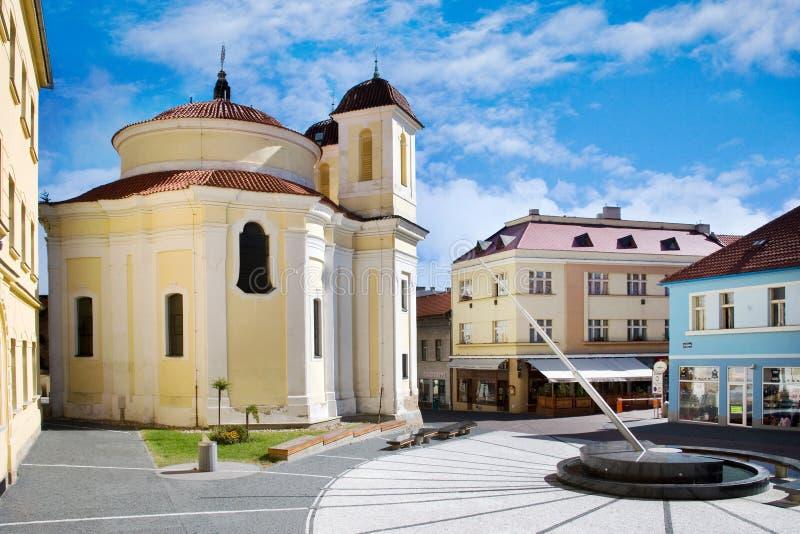 Παρεκκλησι Αγίου Florian από την αψίδα Dientzenhofer, ιστορικό πόλης κέντρο της πόλης Κλάντνο, κεντρική Βοημία, Τσεχία στοκ εικόνες