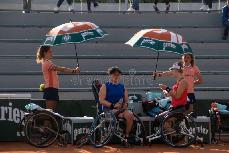 ΠΑΡΙΣΙ, ΓΑΛΛΙΑ - 8 ΙΟΥΝΊΟΥ 2019: Ρόδα διπλασίων γυναικών του Roland Garros στοκ φωτογραφίες
