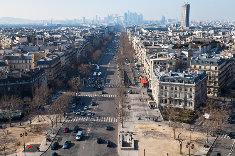 Επάνω από την άποψη Avenue de Λα Grande Armee στο Παρίσι στοκ εικόνα