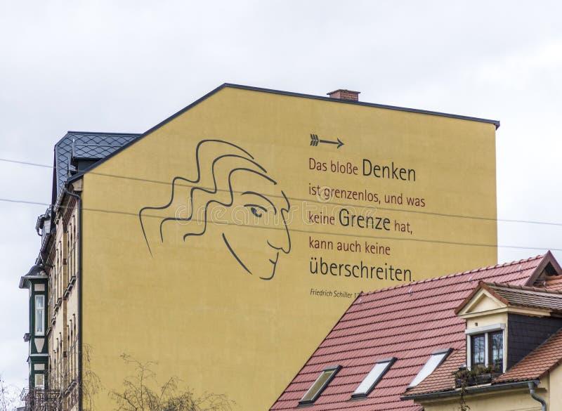 Παροιμία του Friedrich Schiller σε έναν τοίχο σπιτιών στην παλαιά πόλη Rud στοκ εικόνα με δικαίωμα ελεύθερης χρήσης