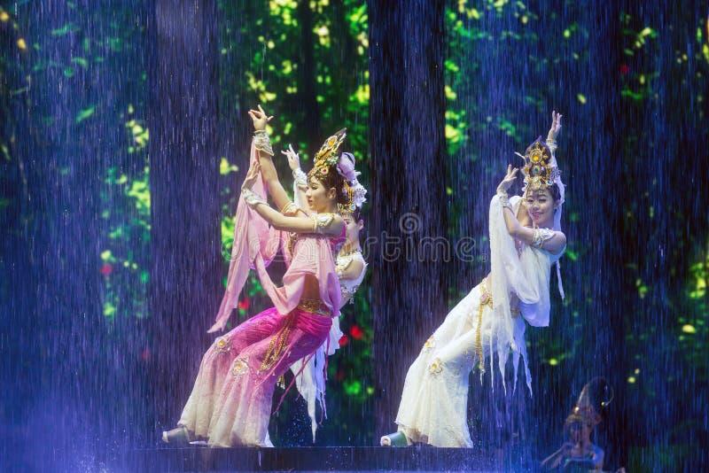 Παρουσίαση ηθοποιών του SAN Ya Qian Gu Qing σε Sanya στοκ εικόνες