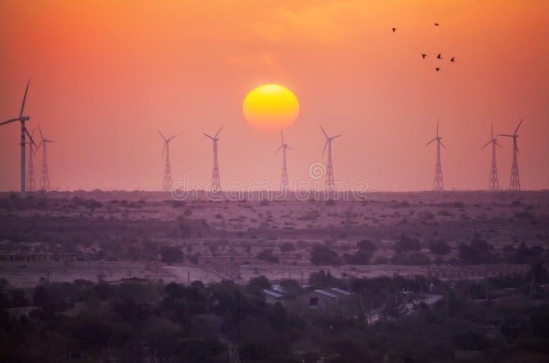 Παροχή ηλεκτρικού ρεύματος ανεμόμυλων στην Ινδία στοκ εικόνες