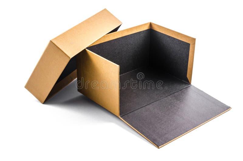 Παρόν κουτί από χαρτόνι που απομονώνεται στο άσπρο υπόβαθρο στοκ φωτογραφίες