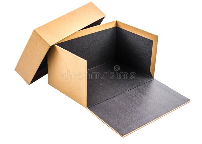 Παρόν κουτί από χαρτόνι που απομονώνεται στο άσπρο υπόβαθρο στοκ φωτογραφία με δικαίωμα ελεύθερης χρήσης