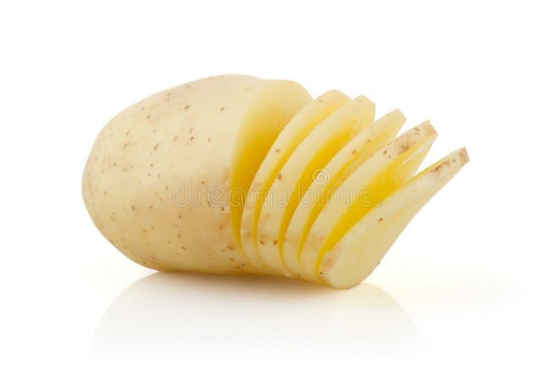 Πατάτες και φέτες στο λευκό στοκ φωτογραφίες με δικαίωμα ελεύθερης χρήσης