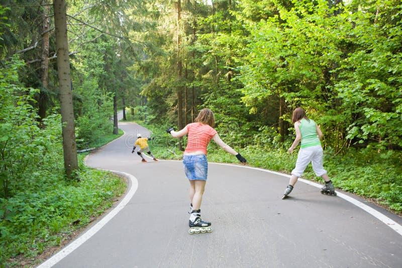 πατινάζ ανθρώπων πάρκων στοκ εικόνα
