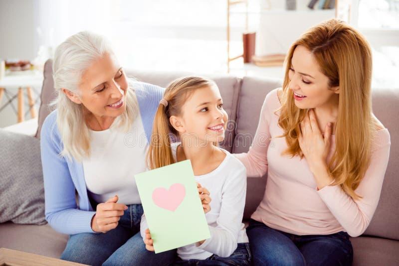 Πατρότητα γονέων φιλίας μαμών μητρότητας μητρότητας mom mum στοκ φωτογραφίες