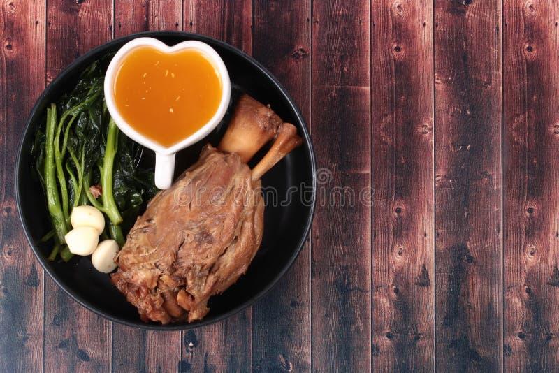 Παχιά έξω συνταγή του μαγειρευμένου χοιρινού κρέατος στοκ εικόνες