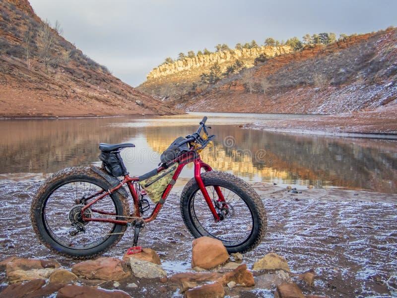Παχιές ποδήλατο και δεξαμενή Horsetooth στοκ φωτογραφίες