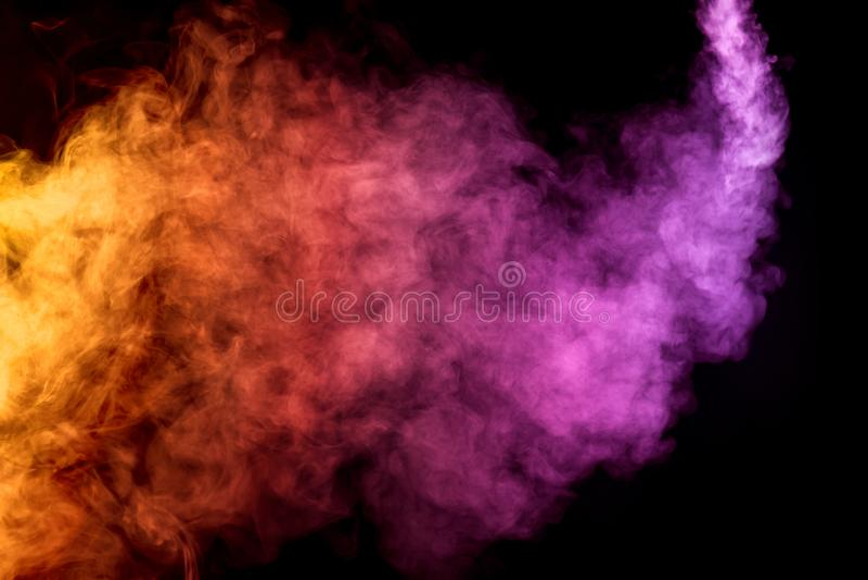Παχύς ζωηρόχρωμος καπνός στοκ φωτογραφίες