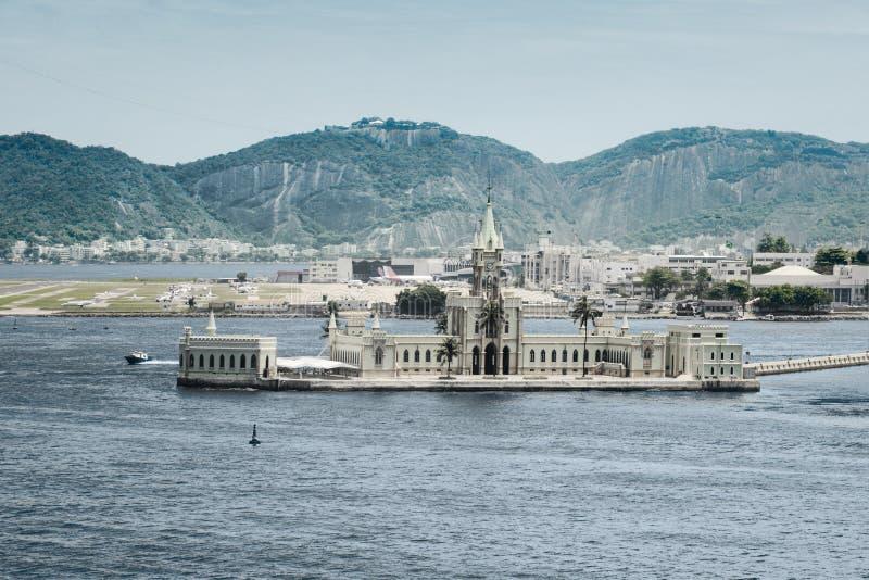 Παλάτι σε Ilha φορολογικό στο λιμάνι του Ρίο ντε Τζανέιρο στοκ εικόνα