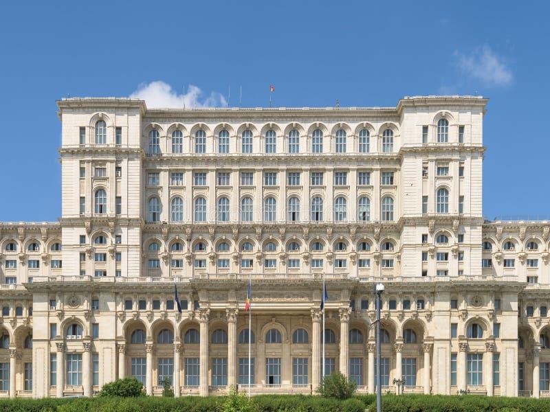 Παλάτι του Κοινοβουλίου (Casa Poporului) ή σπίτι των ανθρώπων στο Βουκουρέστι στοκ εικόνα