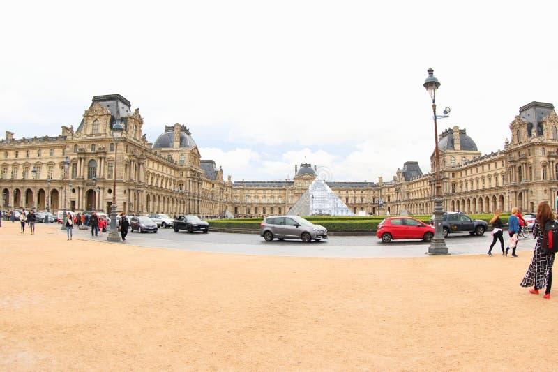 Παλάτι του Λούβρου στοκ εικόνες