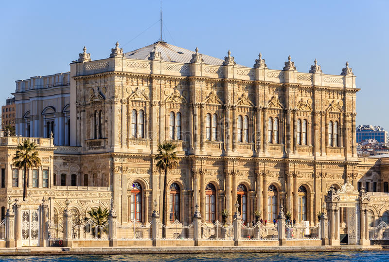 Παλάτι Dolmagahce από Marmara στοκ φωτογραφίες