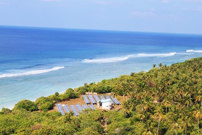 Παλίρροιες του μπλε ωκεανού στοκ εικόνα με δικαίωμα ελεύθερης χρήσης