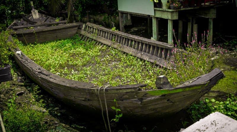 Παλαιά βάρκα στοκ εικόνες