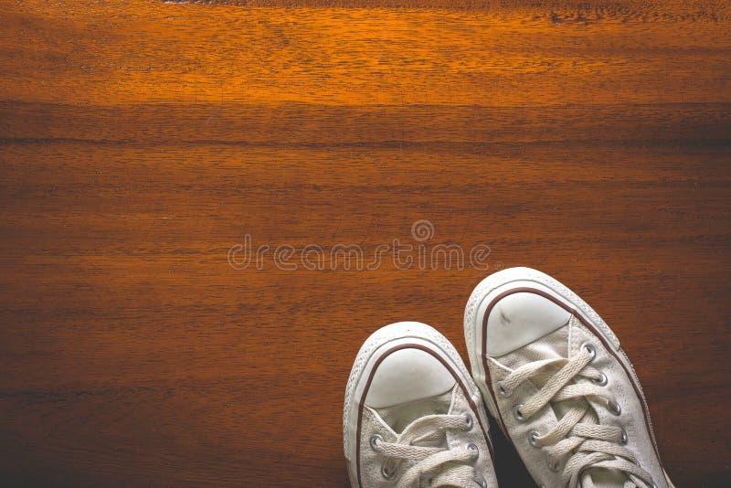 Παλαιά εκλεκτής ποιότητας πάνινα παπούτσια τοπ άποψης στοκ φωτογραφίες με δικαίωμα ελεύθερης χρήσης