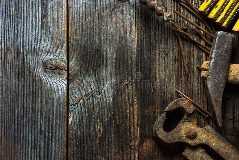 Παλαιά και σκουριασμένα εργαλεία χεριών στοκ εικόνα με δικαίωμα ελεύθερης χρήσης