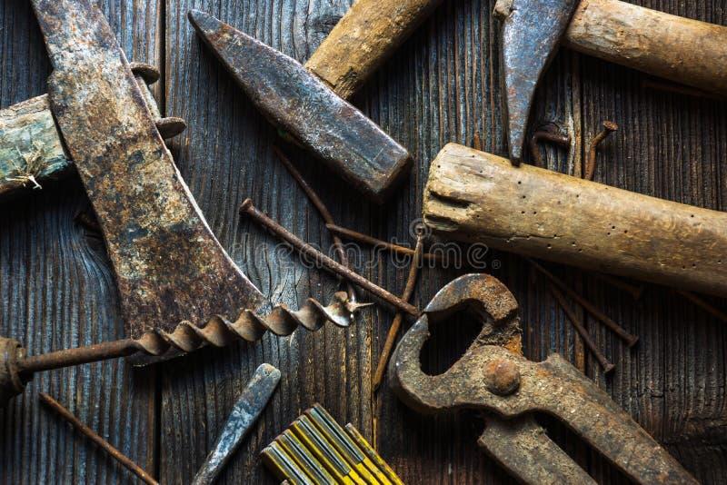Παλαιά και σκουριασμένα εργαλεία χεριών στοκ εικόνες με δικαίωμα ελεύθερης χρήσης