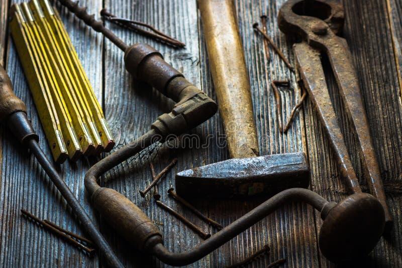 Παλαιά και σκουριασμένα εργαλεία χεριών στοκ φωτογραφία με δικαίωμα ελεύθερης χρήσης